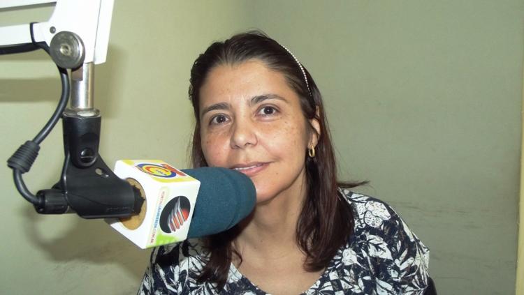 """Vereadora Íris Moreira diz que empresa """"fantasma"""" reformou Câmara de Valença"""